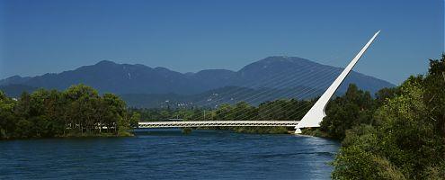 Redding Sun Dial Bridge